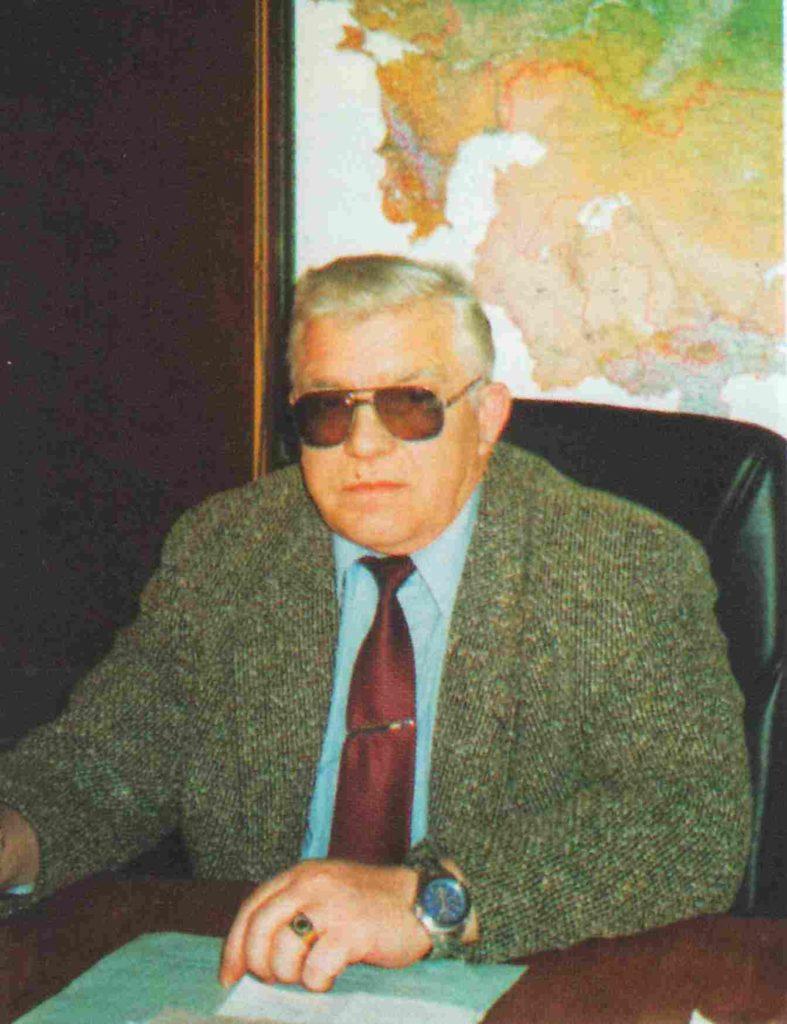 Григорьев Е.М. в рабочем кабинете